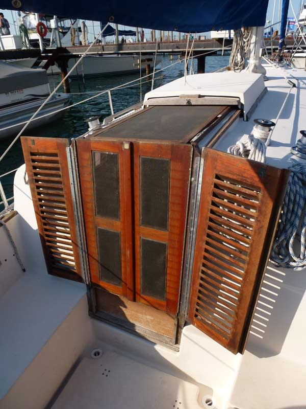 Companionway with screens