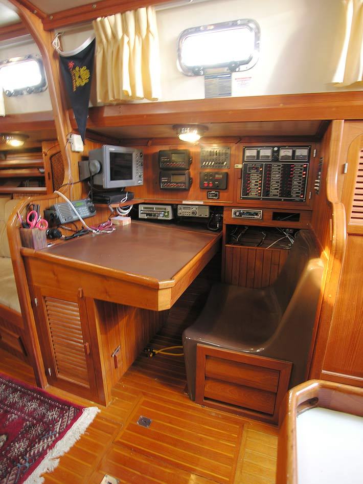 Slocum 43 well equipped nav station