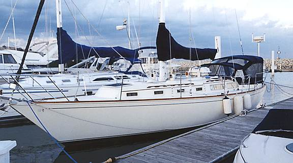 A beautiful, great sailing Sabre 38MkI by Sabre Yachts.